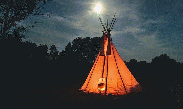 materiale con il quale è costruita la tenda dei pellerossa